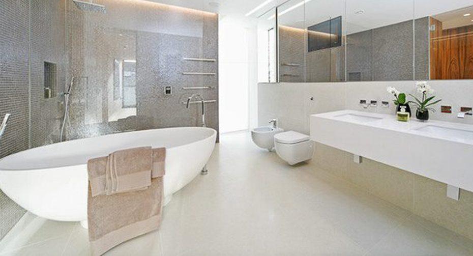 1000px-_0022_bathroom1