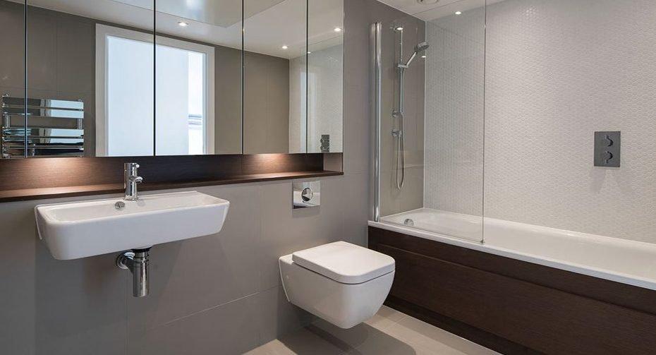 1000px-_0026_bathroom5